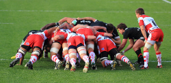 image montrant une mêlée au rugby